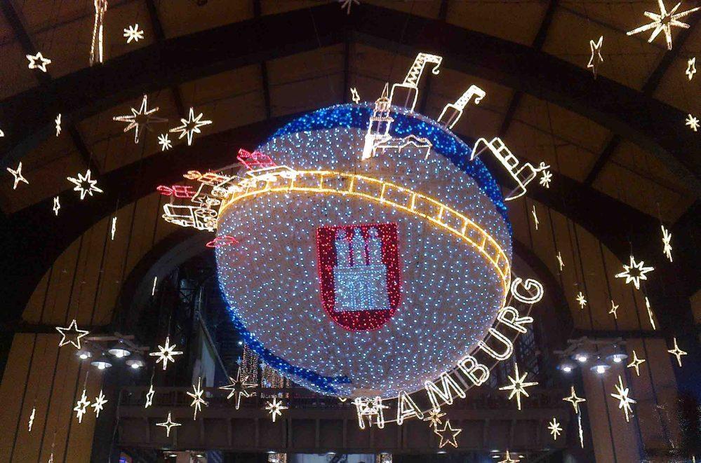 Weihnachten in der Wandelhalle des Hamburger Hauptbahnhofes