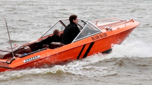 blub blub motorboot hafengeburtstag hamburg