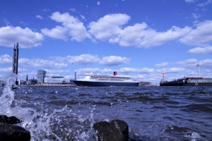 queen mary 2 elbe 25 besuch hamburg 2012