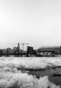 sportboothafen hamburg city winter