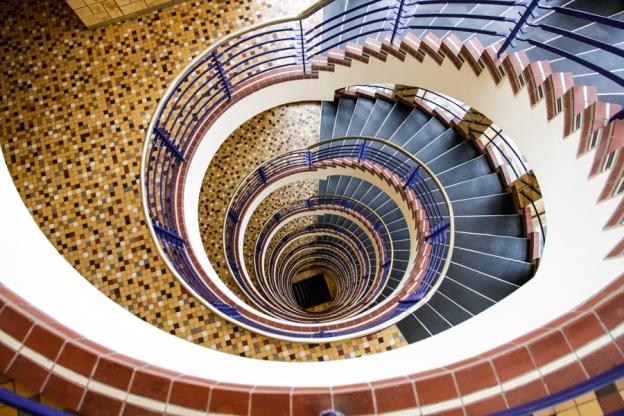 brahms-kontor-treppenhaus-architekturfotografie-hamburg-abendfarben