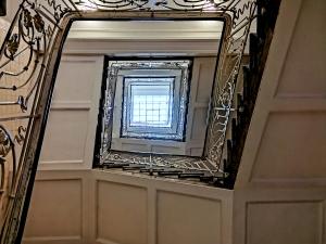 asiahaus-treppenhaus-architekturfotografie-hamburg-abendfarben